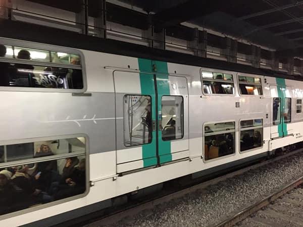 Подземное метро Париж