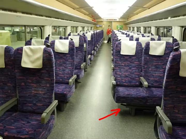 Вагон в поезде