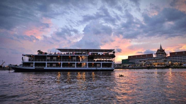 Круиз по реке Tonle Sap