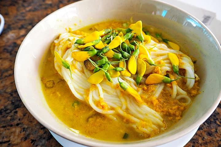 Nom Banh Chok - лапша из рисовой муки