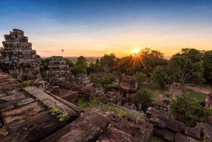 Холм Phnom Bakheng