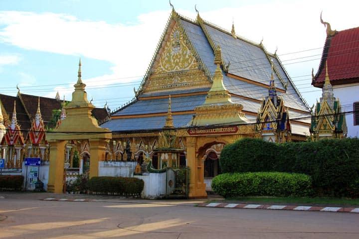 Храм Wat Luang