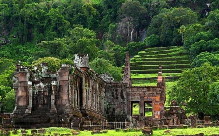Развалины древнего храма Wat Phou