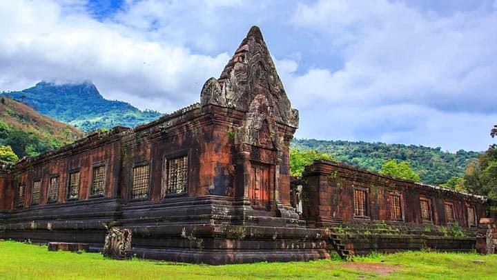 Развалины древнего храма Wat Phu