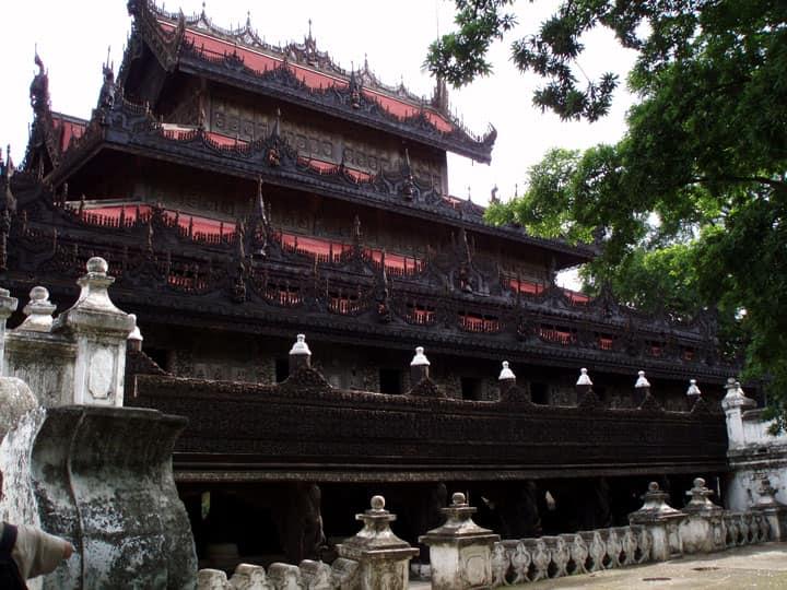 Монастырь золотого дворца
