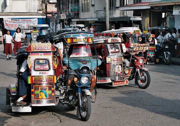 Трицикл в Маниле