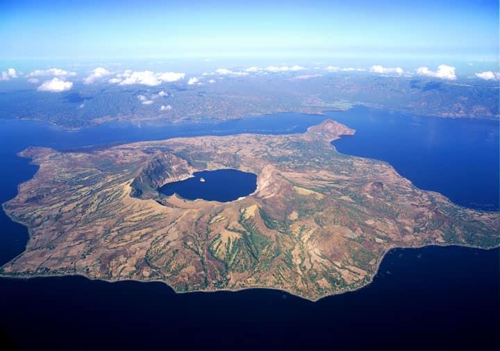 Остров озеро Таал